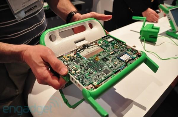 Marvell-powered OLPC XO 1.75 only draws two watts of power, finally charges via hand crank