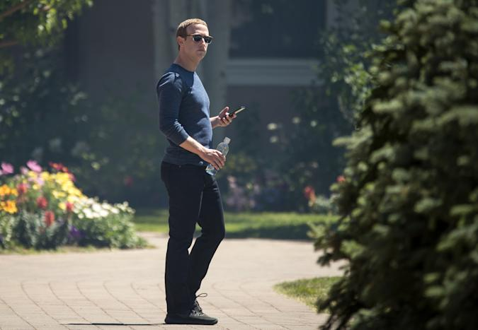 SUN VALLEY, ID - JULY 13: Mark Zuckerberg, chief executive officer of Facebook, attends the annual Allen & Company Sun Valley Conference, July 13, 2018 in Sun Valley, Idaho. Every July, some of the world's most wealthy and powerful businesspeople from the media, finance, technology and political spheres converge at the Sun Valley Resort for the exclusive weeklong conference. (Photo by Drew Angerer/Getty Images)