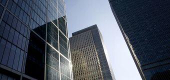 MERCADOS GLOBALES-Acciones mundiales siguen al alza tras positivos datos corporativos