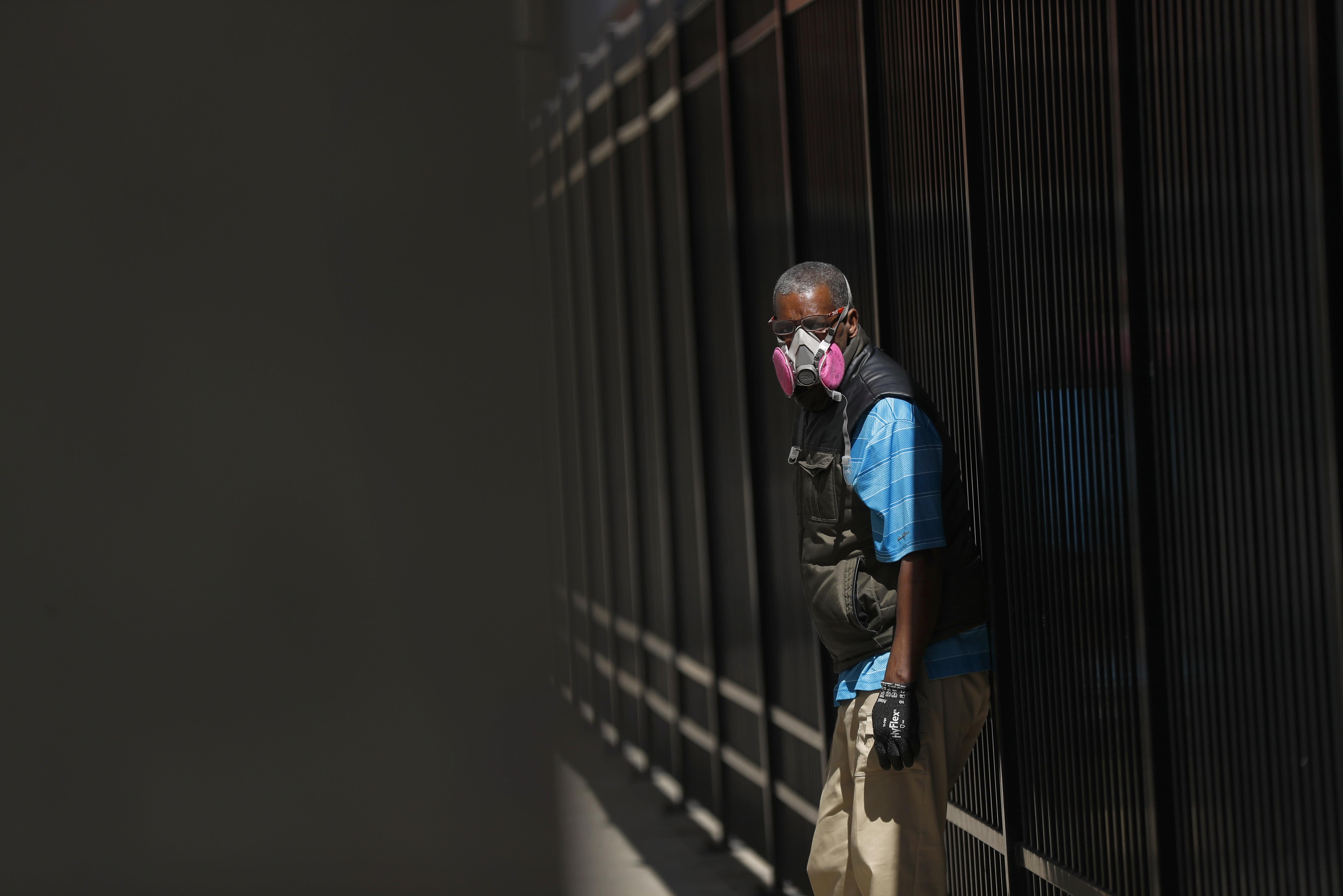Coronavirus: US health official warns of risky second wave