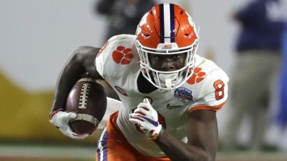 Clemson star WR returning to school