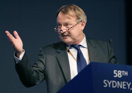 FIFPro Secretry General Theo van Seggelen speaks at the 58th FIFA congress in Sydney