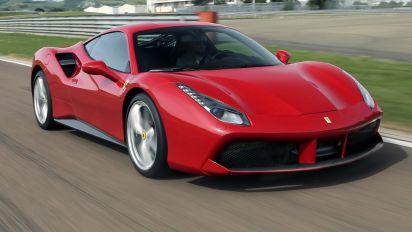 Ferrari strappa un altro segno più, ma Hsbc è cauto sul titolo