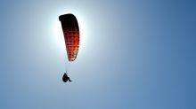 Paracaidista termina sacudido por un extraño fenómeno en el viento (video)