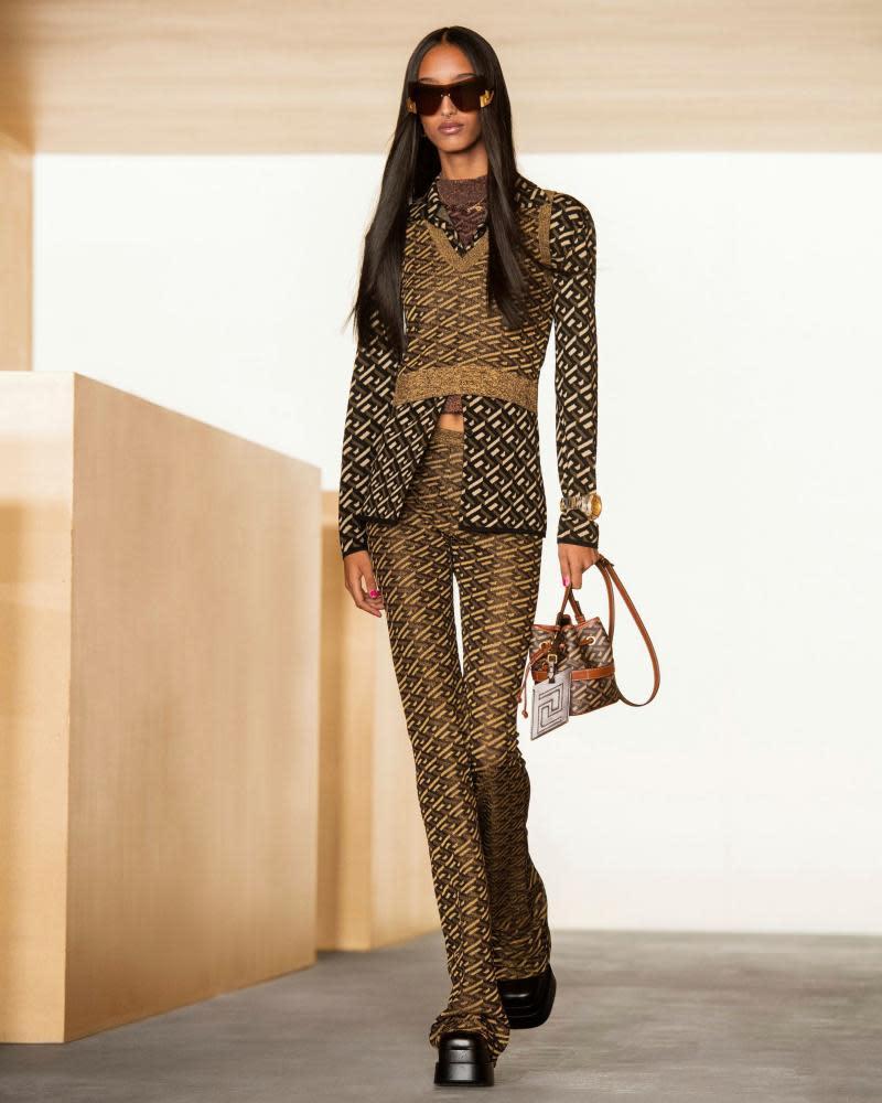 Slimline brown summer suit