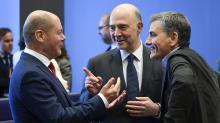 La Grecia promossa dall'Eurogruppo: dopo 8 anni finisce la crisi, ok al taglio del debito