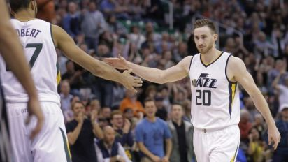 Gordon Hayward will play limited minutes with food poisoning