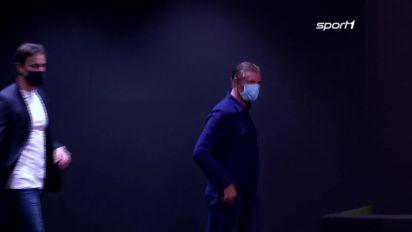 Michael Zorc hadert mit der Niederlage von Borussia Dortmund gegen Lazio Rom