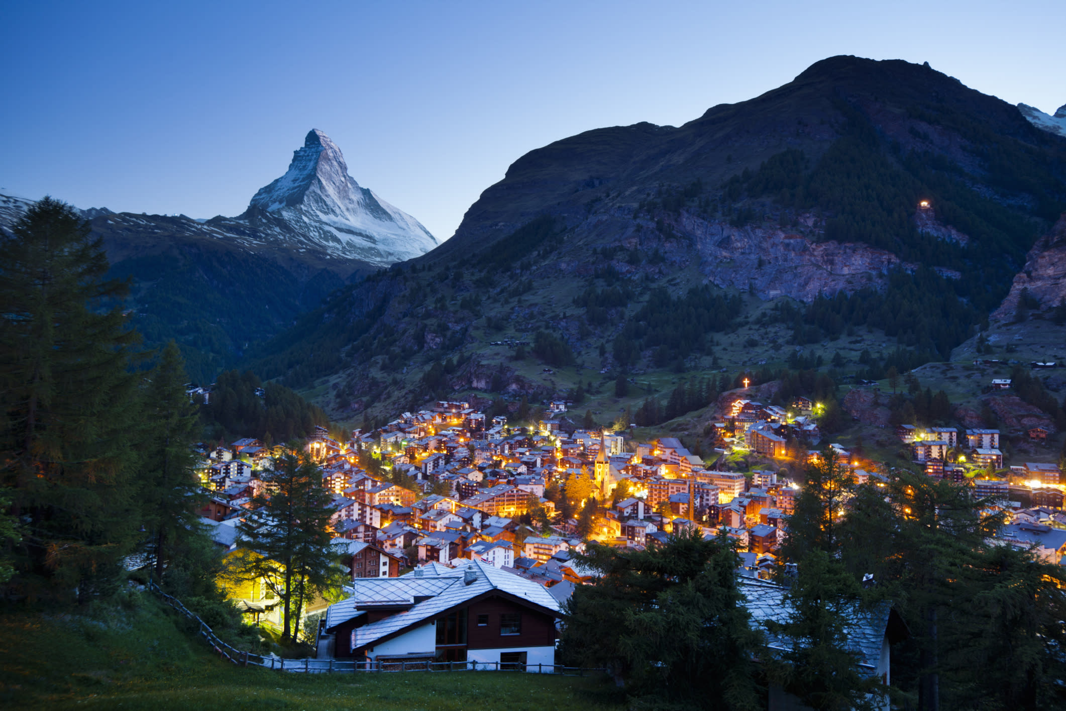 <p>Switzerland has an earnings-related public pension, a mandatory occupational system and voluntary private pensions.</p>  <p>It scored 73.9 out of 100. It fared well for integrity and reasonably well for incomes in retirement. The researchers just questioned its sustainability.</p>