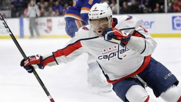 Ovi moves up on all-time goal scoring list