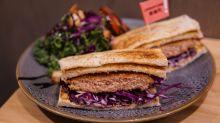 【深水埗美食】深水埗文青素食餐廳!素漢堡包90%似真漢堡?
