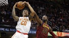 Kent Bazemore rags on John Collins for not passing to open teammate