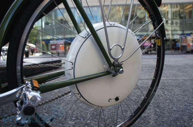 FlyKly's Smart Wheel snaps onto your bike for 20MPH pedal assist
