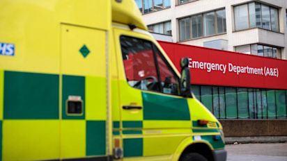 Man dials 999 and fakes illness to get lift to hospital