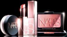 ¡Atención! El Orgasm de NARS, el colorete más vendido del mundo, ahora tiene una colección entera de maquillaje