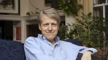 Shiller: Stock market looks like 1929 but correction not necessarily imminent