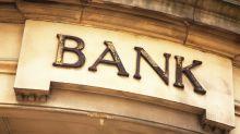 Banche in calo: confermato rigore su Npl. La view degli analisti