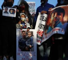 Chicago police critics call for charges in shooting of boy