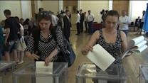 Exit polls show Poroshenko won Ukraine's presidential election