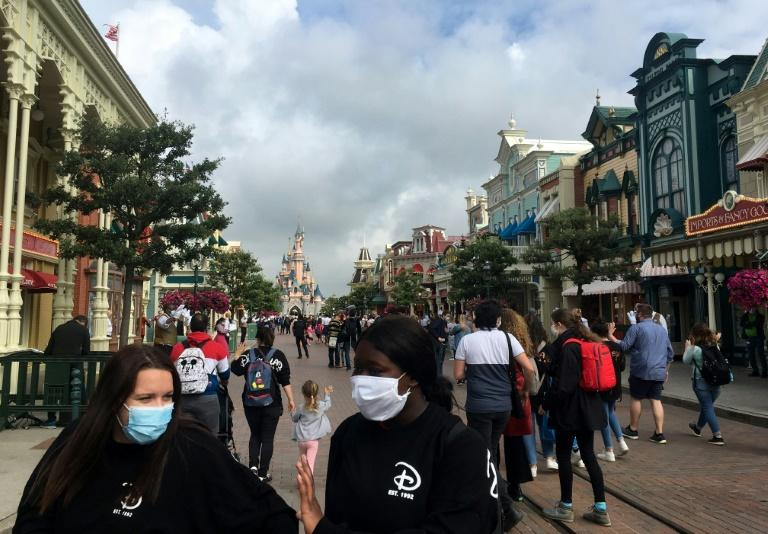 All guests from age 11 must wear masks, and visitors must observe social distancing in queues and on rides
