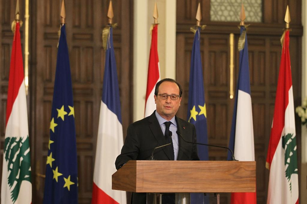 French President Francois Hollande speaks during a joint press conference with Lebanese PM after their meeting in Beirut on April 16, 2016 (AFP Photo/Anwar Amro)