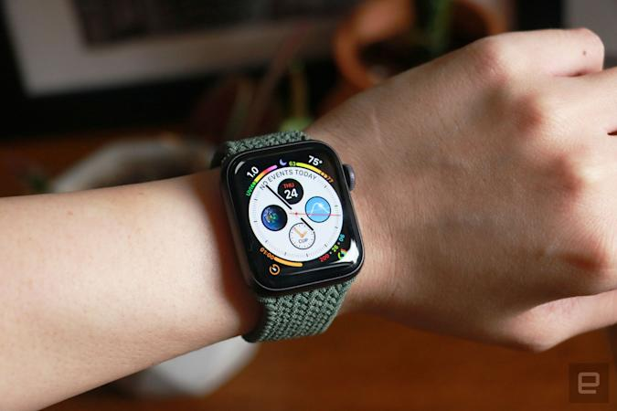 Apple Watch SE with Infograph face