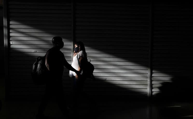 Brazil registers 42,619 new cases of coronavirus, 1,220 deaths