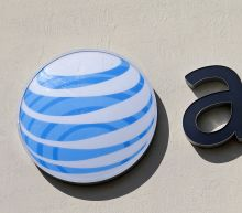 DOJ looks into how AT&T, Verizon handle defecting customers