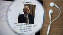 Warren Buffett Takes $1B Stake in Apple (AAPL, BRK.B)