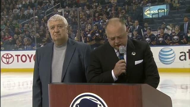 Gare recognizes Hasek in Buffalo