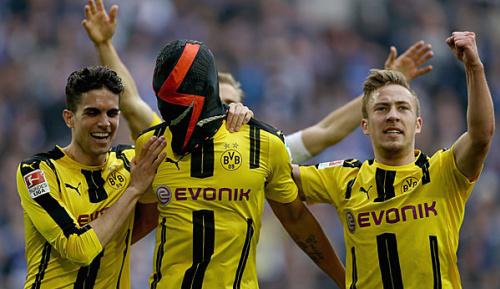 Bundesliga: Masken-Jubel: Klopp springt BVB-Star Aubameyang zur Seite