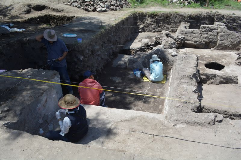 Archeologists find ancient Mayan palace in Mexico