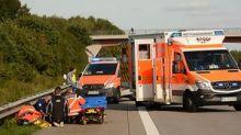 Biker-Albtraum : Autobahn bei Hamburg: Vater verliert Tochter (14) von Motorrad