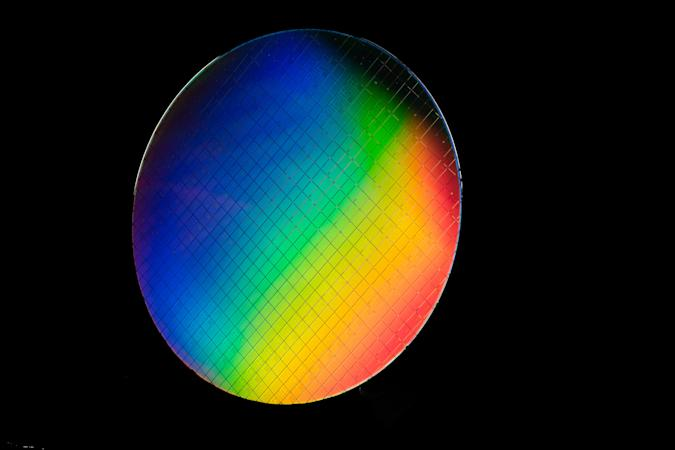 Intel isotopically pure wafer for spin qubits