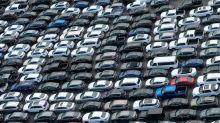 Slumping fleet sales weigh on U.S. auto market