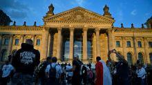 Entsetzen in der Politik nach rechtsextremer Eskalation am Reichstagsgebäude
