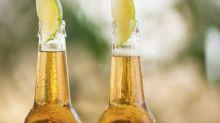Mito ou verdade: tomar cerveja com limão velho mata?