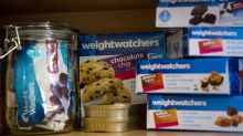 Weight Watchers Extends Oprah-Backed Rally With Higher Forecast