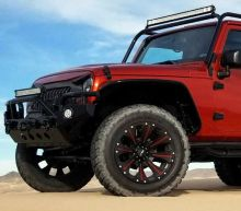 Hellcat-Powered Jeep Wrangler Rubicon 6x6 Pickup Exists Because It Can