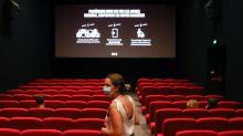 """Nouvelles aides pour le cinéma: """"Une bonne nouvelle"""" mais """"on ne pourra pas tenir"""" sans les séances du soir, souligne le groupe CGR"""