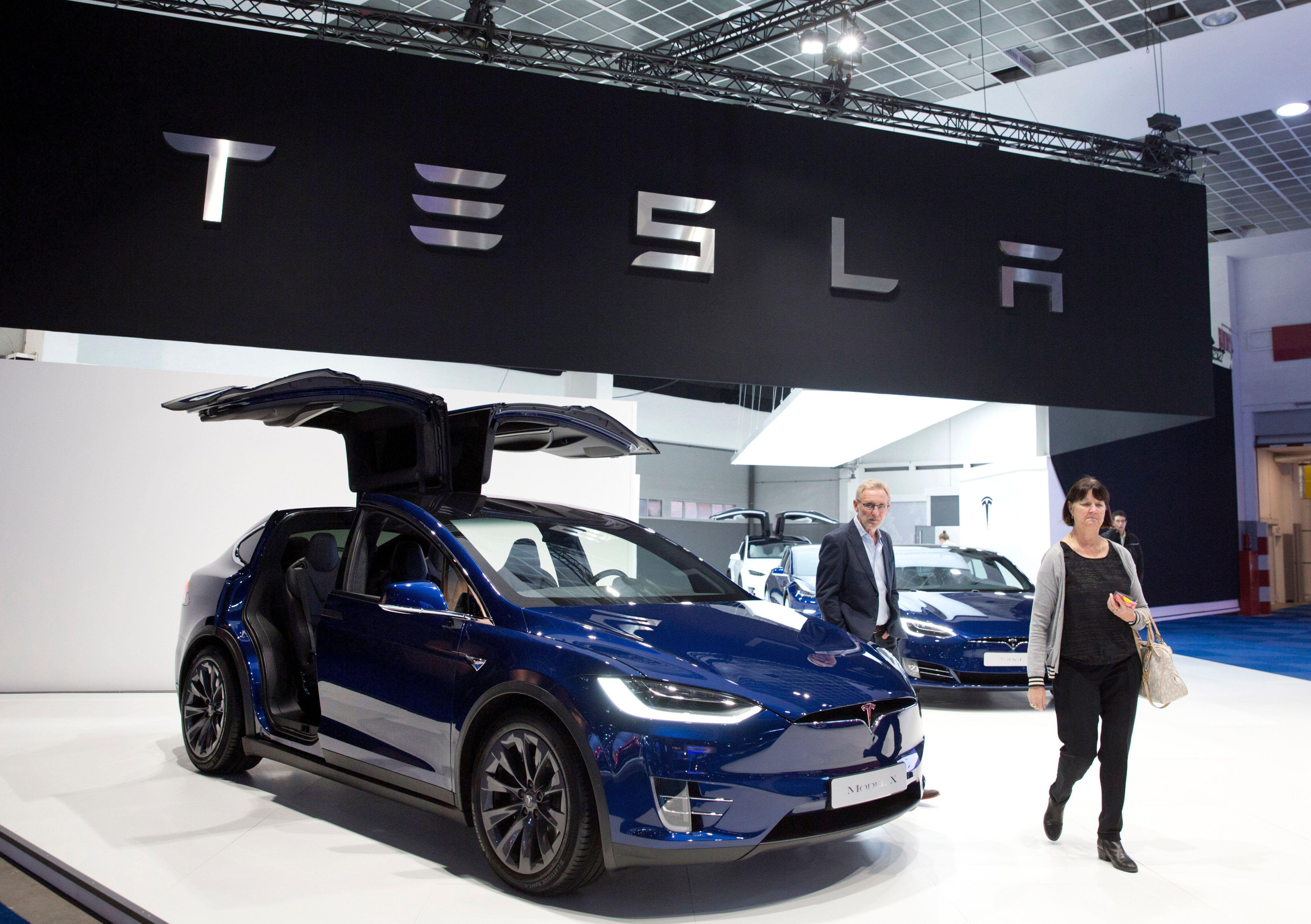 There's a 'crisis of confidence' in Tesla