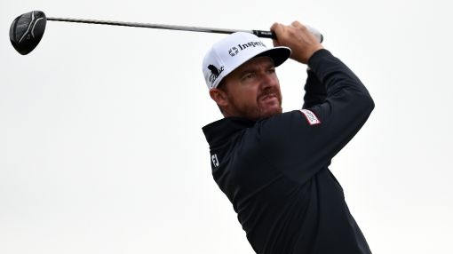 Walker fires 66 to lead PGA by two as Day charges