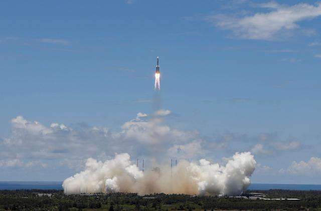 China successfully launches its Tianwen-1 Mars rover