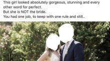 """Unglaublich: Frau erscheint in """"super kitschigem"""" weißen Spitzenkleid zur Hochzeit ihres Bruders"""