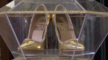 Dubái vende zapatos por 17 millones de dólares