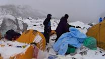 Rescuers rush to save survivors after Mount Everest avalanche