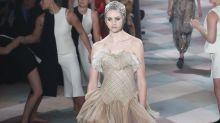 In diesem Dior-Kleid stecken 450 Stunden Arbeit