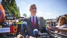 Comparece presidente de Kosovo ante fiscales por acusación