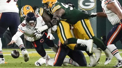 Rodgers, Packers make light work of rival Bears