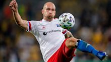 Hamburg's Leistner apologises following clash with fan in stands after DFB-Pokal match